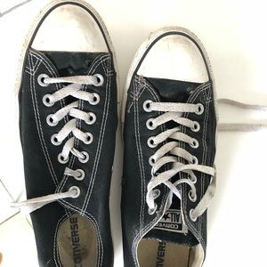 Classic Converse Low-Top size 9